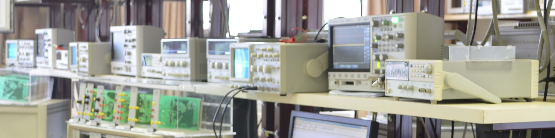 מכשירי ניסוי במעבדה להנסדת חשמל ואלקטרוניקה